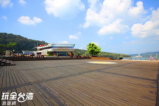 這般美麗的景緻配上動人的弦律,真是令人心醉/玩全台灣旅遊網攝