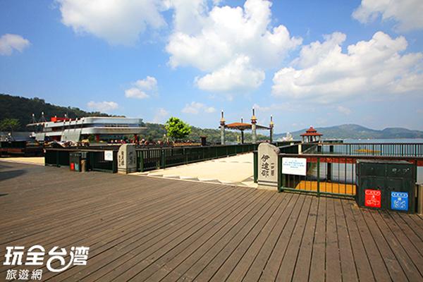 伊達邵碼頭也是表演的主場地之一,要記得提早來卡位唷!/玩全台灣旅遊網攝