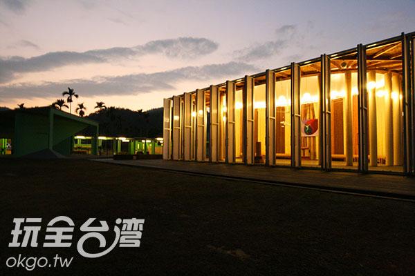 在紙教堂結合生態的演出令人感動/玩全台灣旅遊網攝