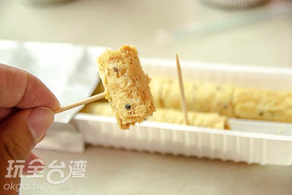 用牙籤插起完全不怕碎掉/玩全台灣旅遊網特約記者陳健安攝