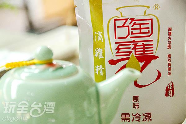 母雞產蛋,公雞則可製作成滴雞精/玩全台灣旅遊網特約記者陳健安攝