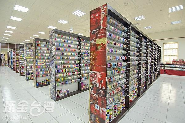 緞帶資料庫收藏歷年設計,超過七萬多款/玩全台灣旅遊網特約記者陳健安攝