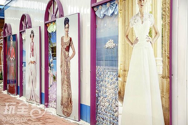 各國婚紗也應用不少緞帶點綴/玩全台灣旅遊網特約記者陳健安攝