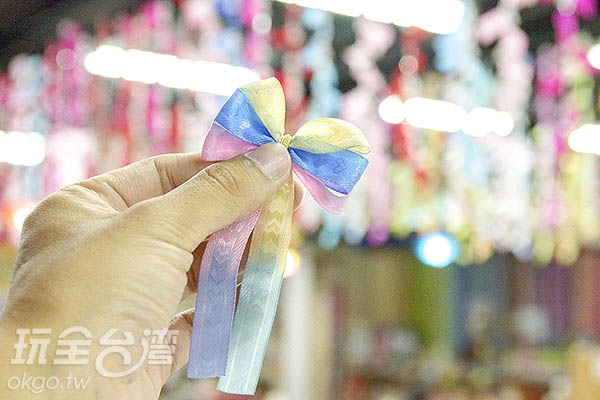 最後綁成漂亮的蝴蝶結/玩全台灣旅遊網特約記者陳健安攝