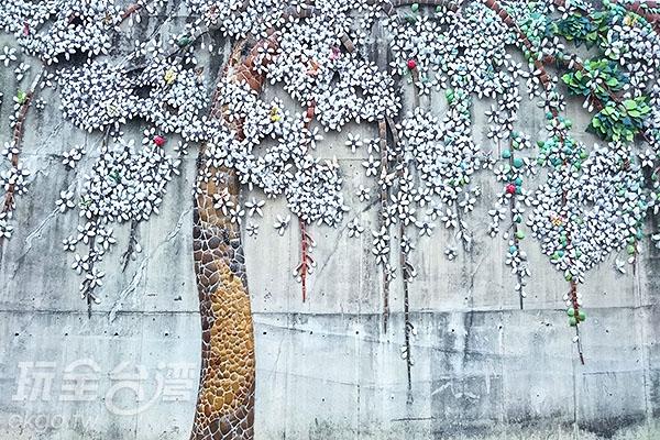 復興鐵橋旁的大壁畫/玩全台灣旅遊網特約記者蔡忻容攝