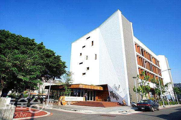 圖書館外觀/玩全台灣旅遊網特約記者小綠攝