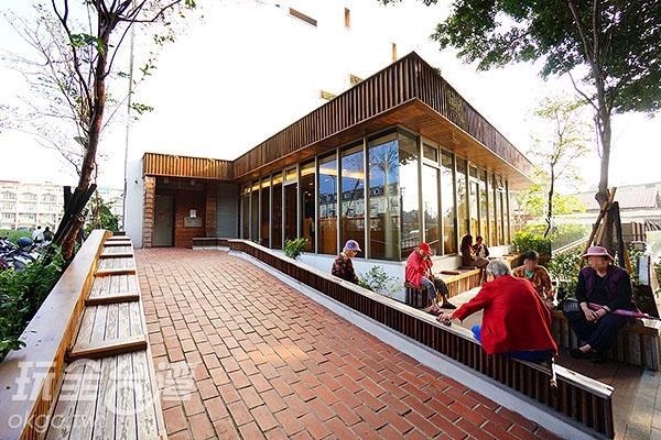 圖書館南側/玩全台灣旅遊網特約記者小綠攝