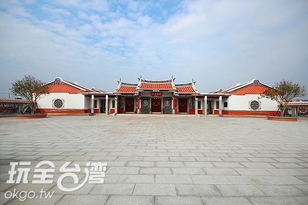 閩南書院位在後龍高鐵旅遊中心/玩全台灣旅遊網攝