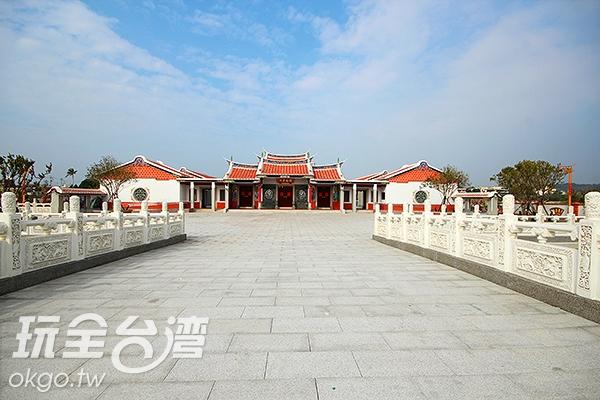 占地遼闊的英才書院原名為閩南書院/玩全台灣旅遊網攝