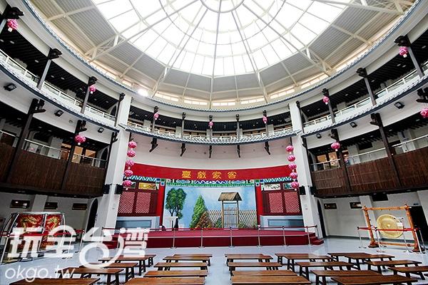 每層樓皆展示著客家各種文化/玩全台灣旅遊網攝