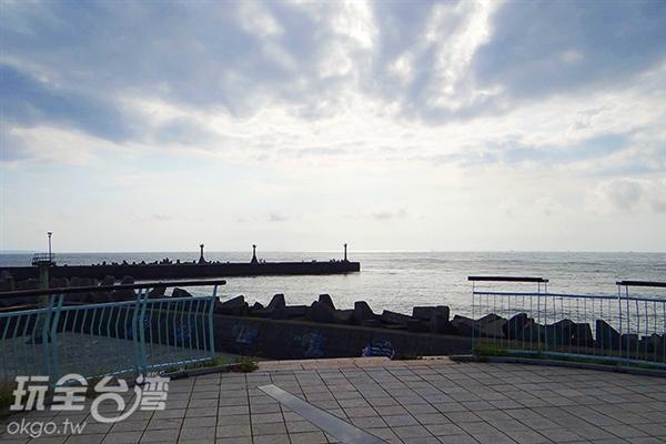 這裡天氣好的話還可以遠眺小琉球呢!/玩全台灣旅遊網特約記者鍾少紋攝