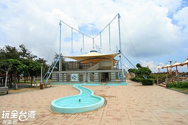 這裡也有為兒童設置的戲水區,讓小朋友安全玩水/玩全台灣旅遊網攝
