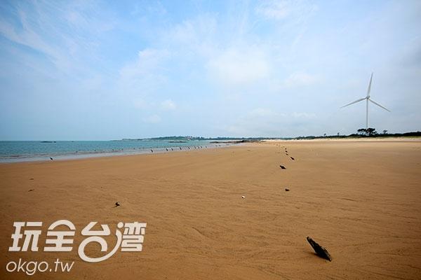濱海公園內也有當地著名的風獅爺唷!/玩全台灣旅遊網攝