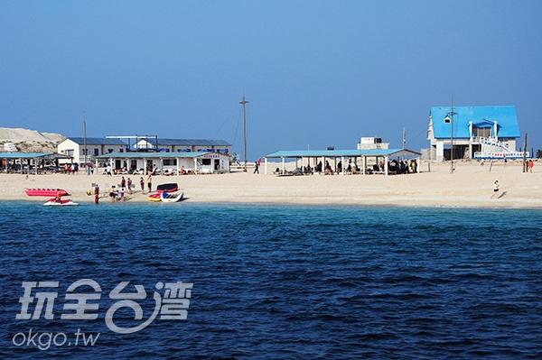 險礁嶼周邊有豐富的生態資源,但周邊海象險惡/玩全台灣旅遊網特約記者洪明景攝