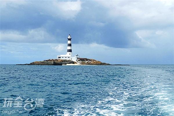 乘船前往有著破浪般的快感/玩全台灣旅遊網特約記者Ming攝