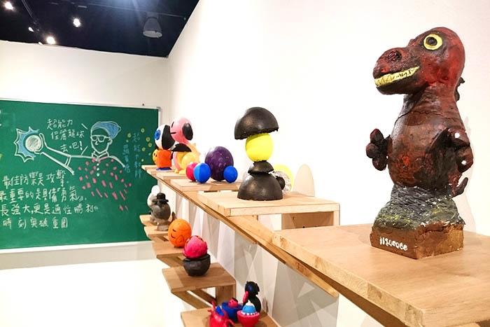 紅頂穀創會不定時舉辦不同性質、動靜兼俱的創意展覽於二樓穀倉藝文/玩全台灣旅遊網特約記者蔡忻容攝