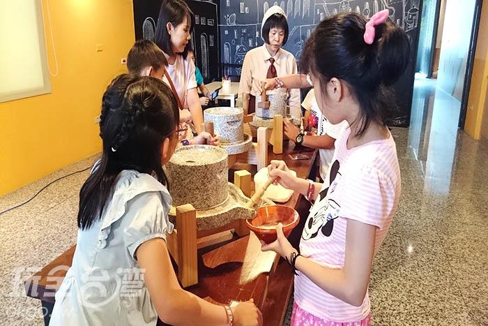 不少家長都會帶自己的小朋友來參加體驗,真是親子同樂的天堂/玩全台灣旅遊網特約記者蔡忻容攝