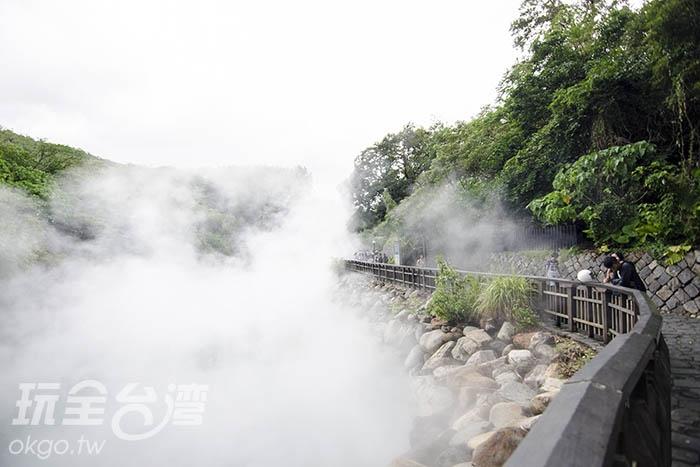 越是後頭,蒸氣更是濃密/玩全台灣旅遊網特約記者陳健安攝