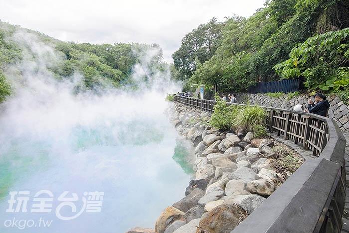 一陣風拂過,湖水綠的水面若隱若現/玩全台灣旅遊網特約記者陳健安攝