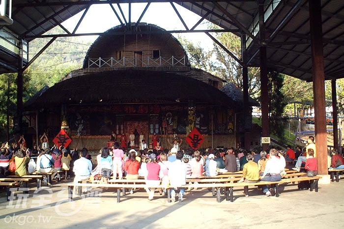 泰雅原住民精彩表演,讓大人小孩都目不轉睛/玩全台灣旅遊網攝