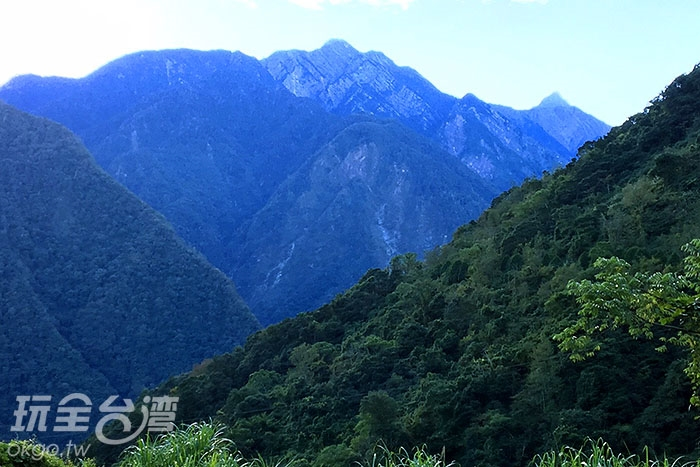 新中橫公路消失在山的裡面?/玩全台灣旅遊網小艾攝