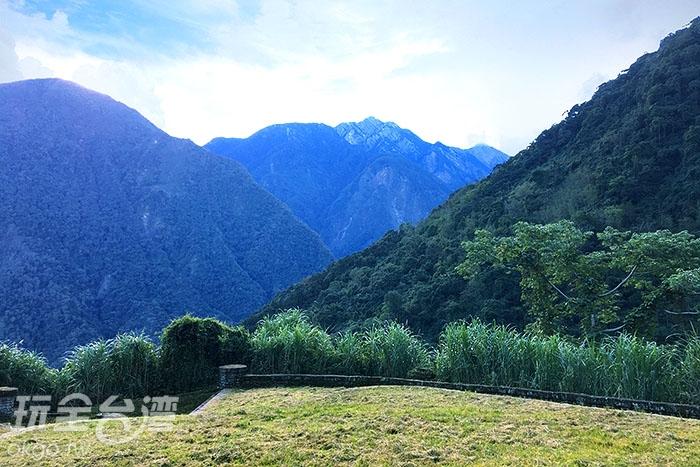 天氣好的話,在觀峰可以看到玉山主峰喔/玩全台灣旅遊網小艾攝