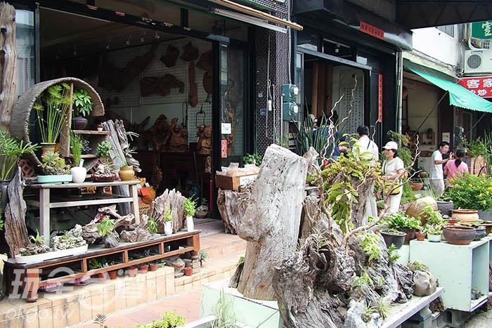 說到三義木雕街那就不能錯過這「水美木雕街」了!/玩全台灣旅遊網攝