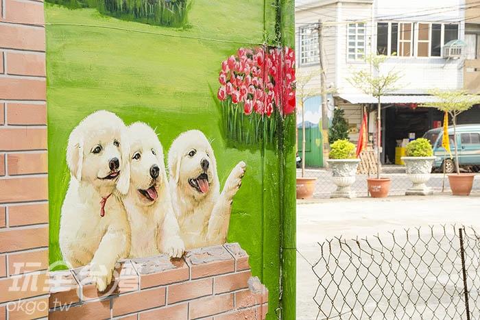 一個轉角還有超萌小狗跟你招手/玩全台灣旅遊網特約記者陳健安攝