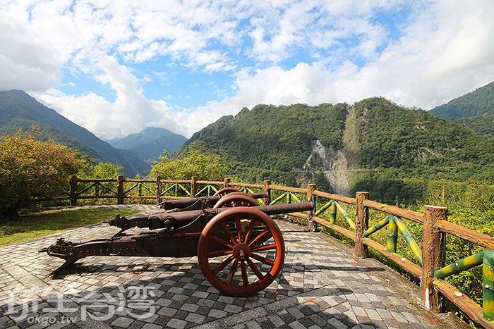 霧鹿砲臺位在霧鹿國小後方/玩全台灣旅遊網攝