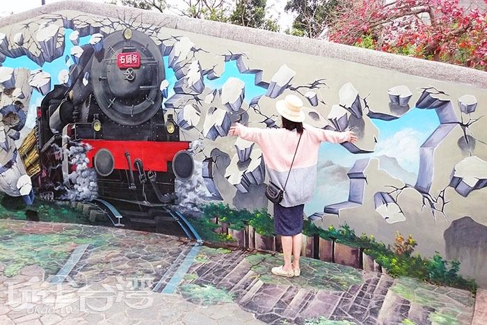 呼之欲出的蒸汽火車。/玩全台灣旅遊網特約記者蔡忻容攝