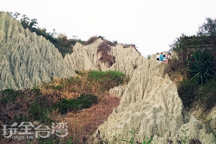 光凸凸的特殊山丘,在漯底山自然公園也看的到/玩全台灣旅遊網特約記者蔡忻容攝