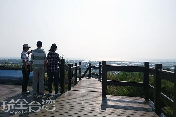 南寮漁港方向景色/玩全台灣旅遊網特約記者蔡忻容攝