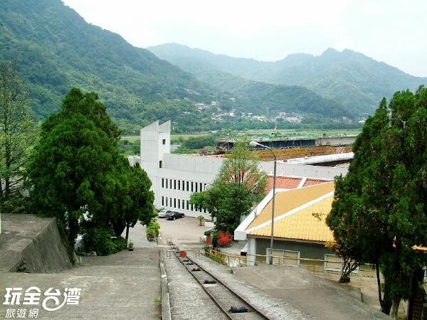 延著階梯一步步向上會有意想不到的美麗景色/玩全臺灣旅遊網攝