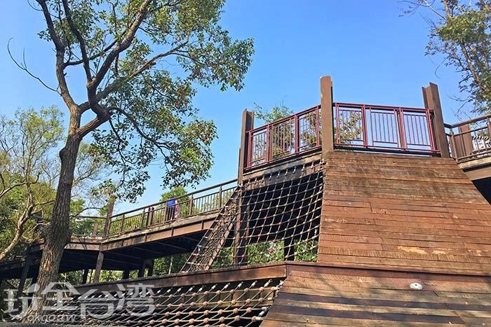 安全的攀爬設施讓小孩訓練體能!/玩全台灣旅遊網一隻魚攝