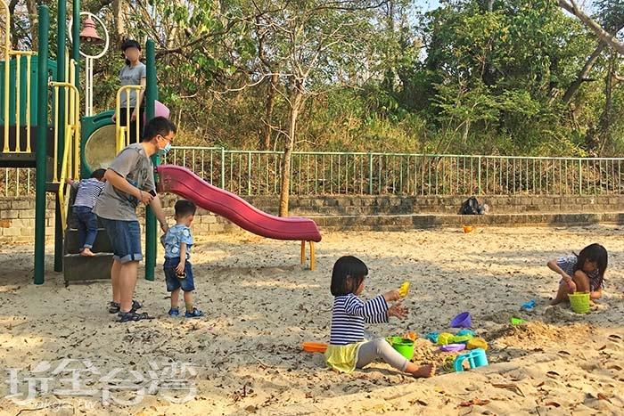 小孩最愛的沙灘,絕對會讓你家寶貝為之瘋狂/玩全台灣旅遊網一隻魚攝