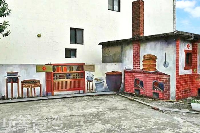 把古早味的阿?灶腳和煙囪搭配房屋畫上彩繪,是非常懷舊的景象。/玩全台灣旅遊網特約記者攝