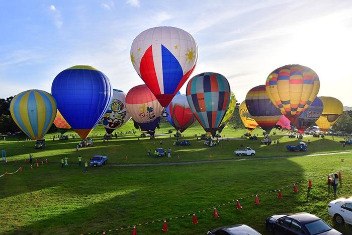 看到氣球與綠地,就讓人心都跟著飛了過去/台灣熱氣球嘉年華粉絲頁提供