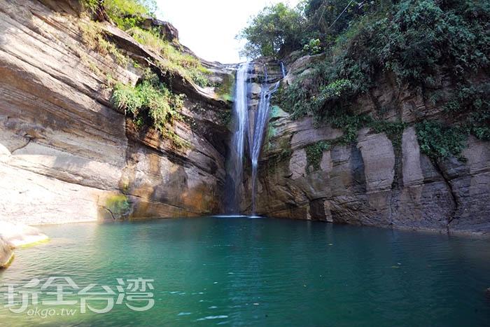 好想跳進水裡尋找看看是否有通往古墓的秘密隧道/玩全台灣旅遊網特約記者吳明倫攝