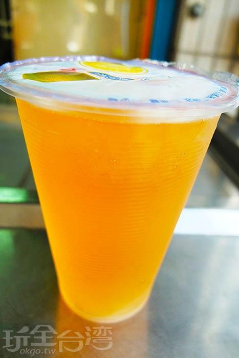 相當古早味的楊桃湯,可以喝出很甘醇、清爽的甜味,而不會顯得又鹹又澀。/玩全台灣旅遊網特約記者阿辰攝