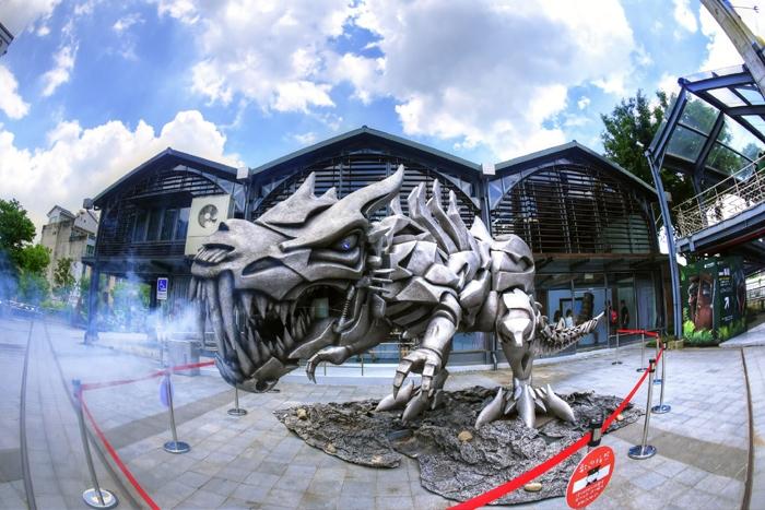 超帥氣的大型機器人公仔!!/竹東動漫園區-蘑菇森林保衛戰提供