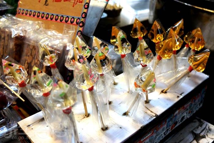 除了番薯糖外,這裡也有賣花生糖、麥芽棒棒糖、冷凍芋…各種傳統甜品。/玩全台灣旅遊網特約記者阿辰攝