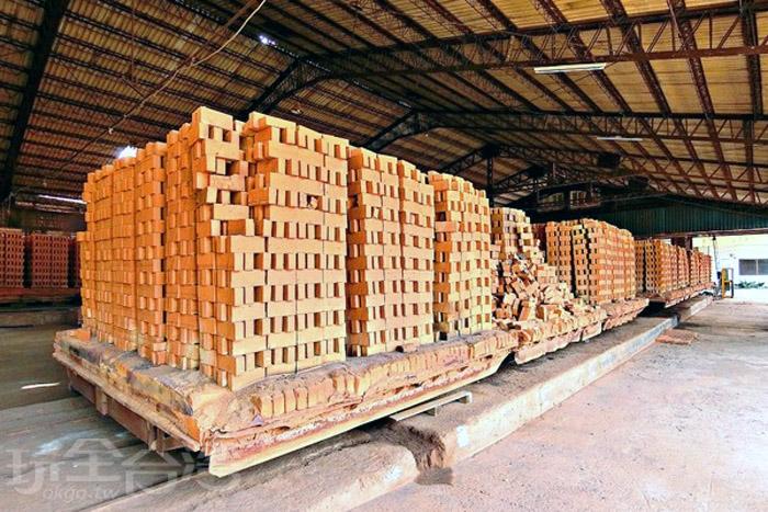 古樸的紅磚經過設計及砌築能展現出風情萬種的面貌。/玩全台灣旅遊網特約記者阿辰攝