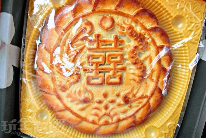 餅皮裡吃的到香甜紅豆餡和QQ麻吉,味道頗不錯的!/玩全台灣旅遊網特約記者阿辰攝