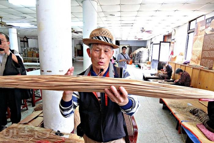 台灣藺草學會致力於傳承藺草的編織工藝。/玩全台灣旅遊網特約記者阿辰攝