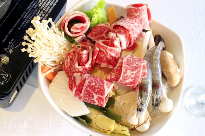 牛肉鍋-美國CAB安格斯牛小排/玩全台灣旅遊網特約記者阿辰攝