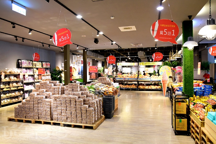 這裡的米製商品超燒火的!一眼望去大家都是人手一藍!/玩全台灣旅遊網特約記者阿辰攝