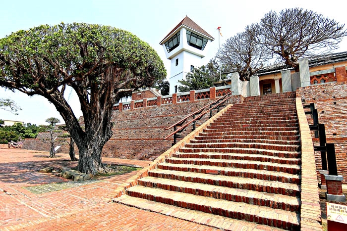現今參觀部分大致分為古蹟紀念館、瞭望台、古壁史蹟公園...等部分。/玩全台灣旅遊網特約記者阿辰攝