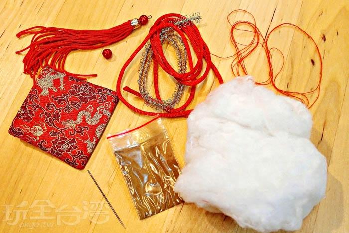 來這裡可以體驗DIY製作金龍粽型香包。/玩全台灣旅遊網特約記者阿辰攝