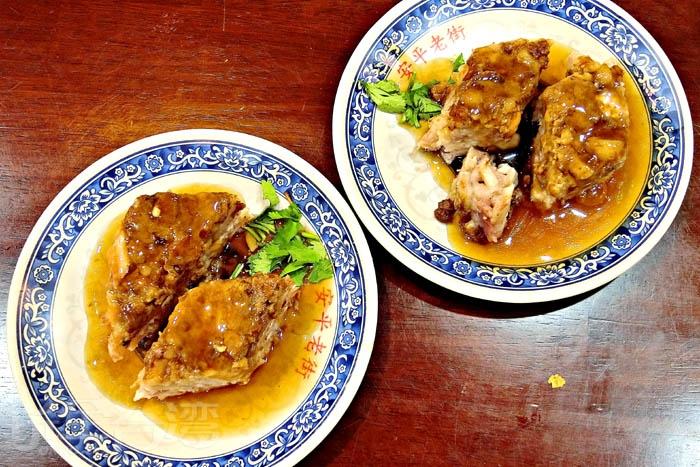肉燥芋粿有著肉燥鹹香,配上軟潤芋頭,相當對味。/玩全台灣旅遊網特約記者阿辰攝