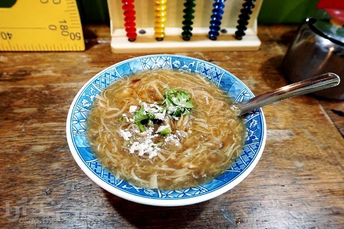 內用麵線糊~(除了賣麵線糊還有冰熱麵茶)/玩全台灣旅遊網特約記者阿辰攝